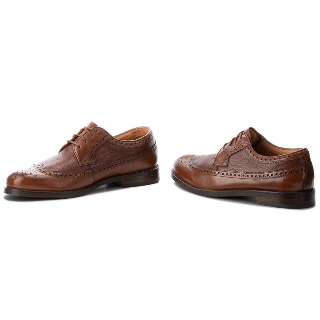 25b2284fbd9 Chaussures basses CLARKS - Coling Limit 261348147 British Tan ...