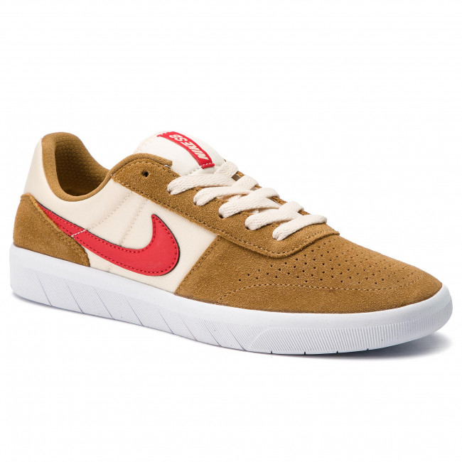promo code e6aaf 7b833 Chaussures NIKE - Sb Team Classic AH3360 202 Golden Beige/University Red