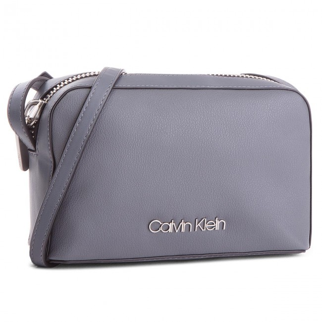 Sac à main CALVIN KLEIN - Drive Camera Bag K60K604459 008 ... 67047c121f3c
