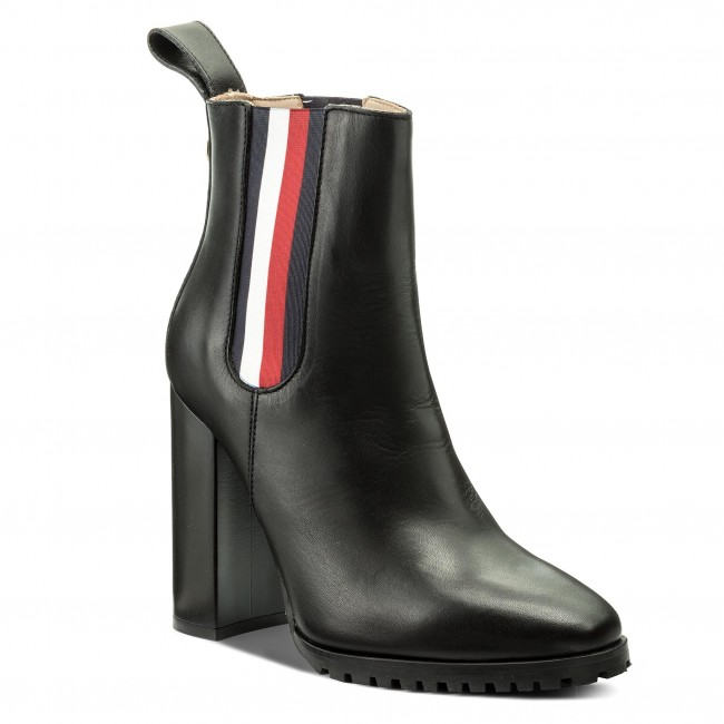54277d224 Bottines TOMMY HILFIGER - Gigi Hadid Chelsea Boot FW0FW03018 Black 990