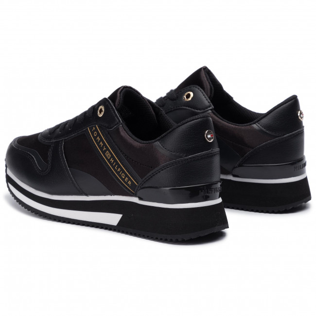 Sneakers TOMMY HILFIGER Mixed Active City Sneaker FW0FW04177 Black 990