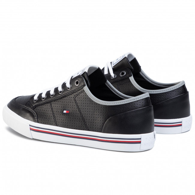 Sneakers TOMMY HILFIGER - Core Corporate Leather Sneaker FM0FM02677 Black BDS - Sneakers - Chaussures basses